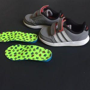 Adidas toddler girl size 8K gray sneaker
